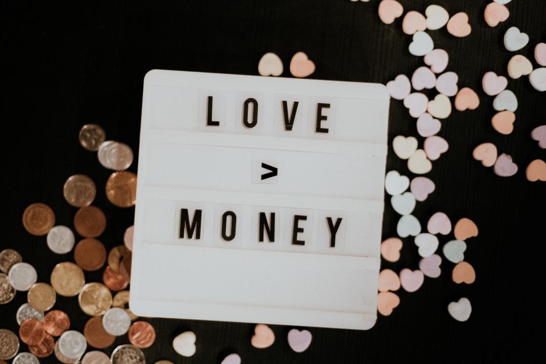 Vztahy vs. Finance