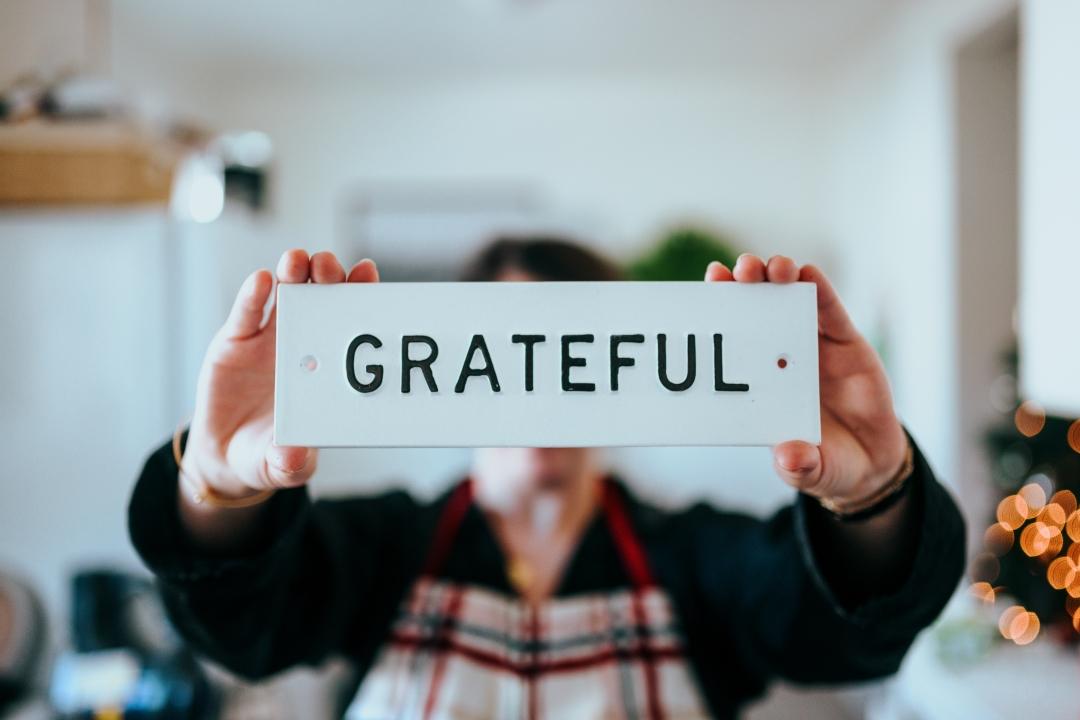 Proč bychom nikdy neměli zapomínat na vděk