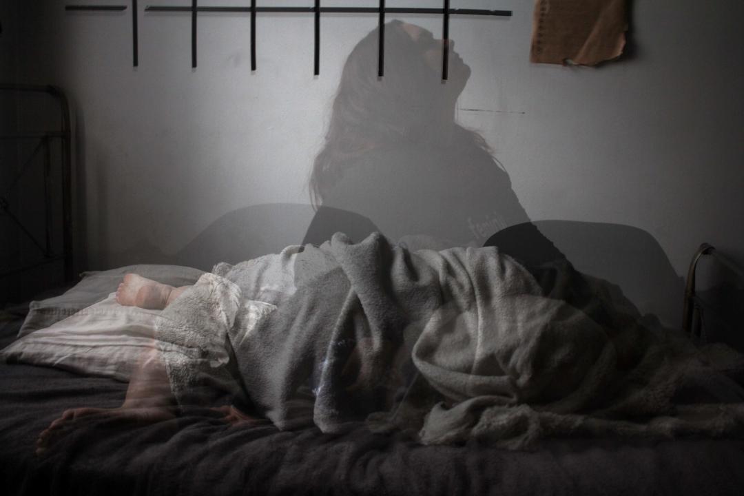 Noční probouzení, nespavost a co s tím
