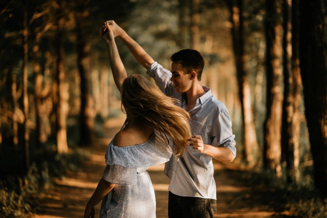 4 fáze vztahu aneb tanec života v páru. Co a jak se časem mění?